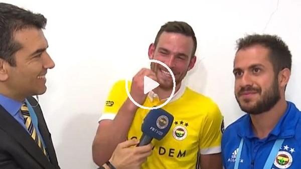 Janssen maç sonu röportajında zor anlar yaşadı