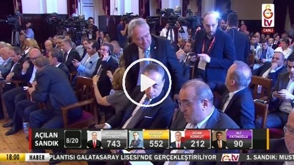 Mustafa Cengiz ve Abdurrahim Albayrak oy sayımını takip ediyor