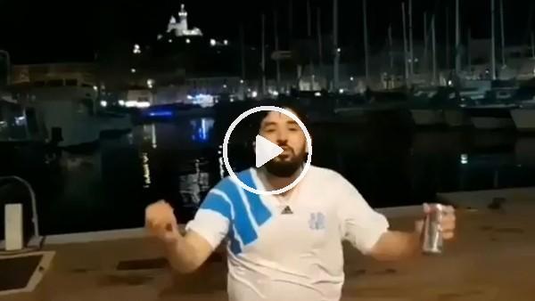 Marsilya taraftarı final coşkusuyla denize atladı!