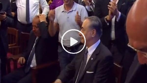 Mustafa Cengiz tezahüratlarla salona geldi