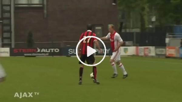 50'lik Bergkamp'tan muhteşem performans
