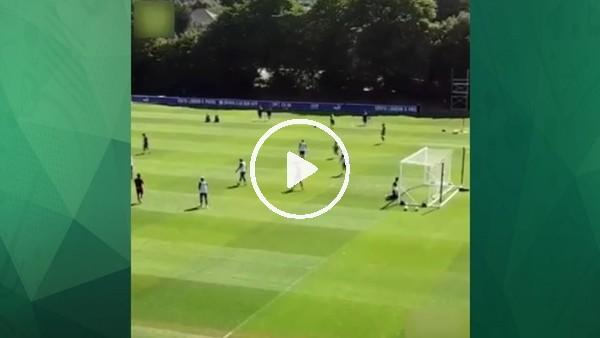 Wilfried Zaha'dan antrenmanda klas gol