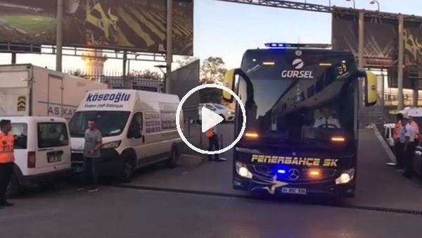 'Fenerbahçe kafilesi stada geldi