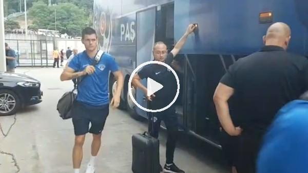 Kasımpaşa takım otobüsü Rizespor maçı için stada geldi