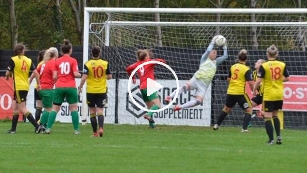 'Kadın futbolcudan muhteşem gol