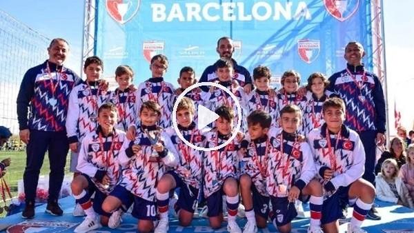 'Bursalı minikler Barcelona'dan gururla döndü