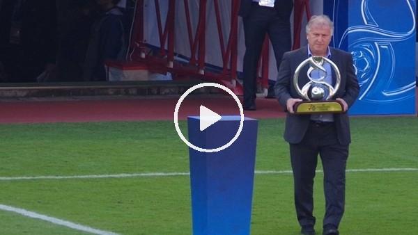 'Asya Şampiyonlar Ligi kupası Zico'nun ellerinde...