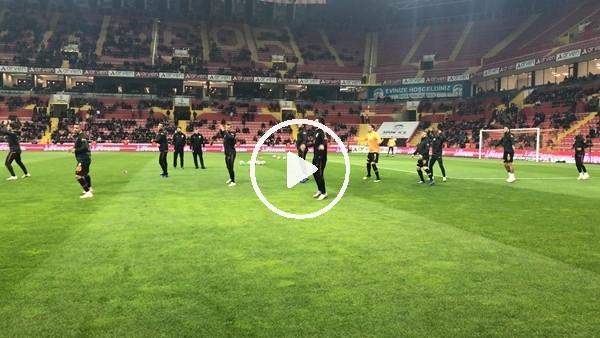 'Galatasaray taraftarı futbolcuları tribüne çağırdı