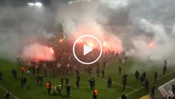 AIK Stockholm taraftarının şampiyonluk sevinci