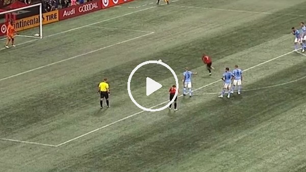 Josef Martinez'den ilginç penaltı atışı