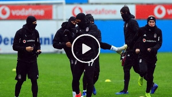 'Beşiktaş yağmur altında çalıştı