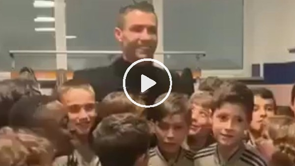 'Cristiano Ronaldo, Juventus altyapısından miniklerle