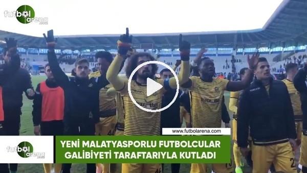 'Yeni Malatyasporlu futbolcular galibiyeti taraftarıyla kutladı