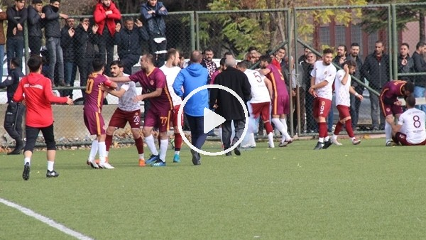 Amatör maçta futbolcular kavga etti, 5 kırmızı kart çıktı