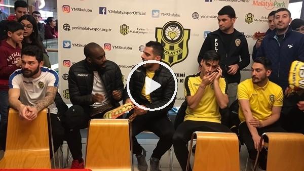 'Yeni Malatyasporlu futbolcular imza gününe katıldı