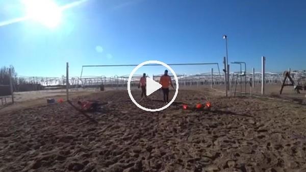 Taffarel kalecileri plajda çalıştırıyor
