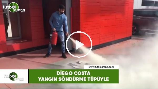 'Diego Costa yangın söndürme tüpüyle