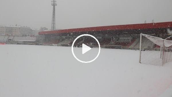 'Boluspor-Galatasaray maçının stadı karla kaplı