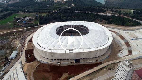 'Adana'da yeni stadın çatısı tamamlandı