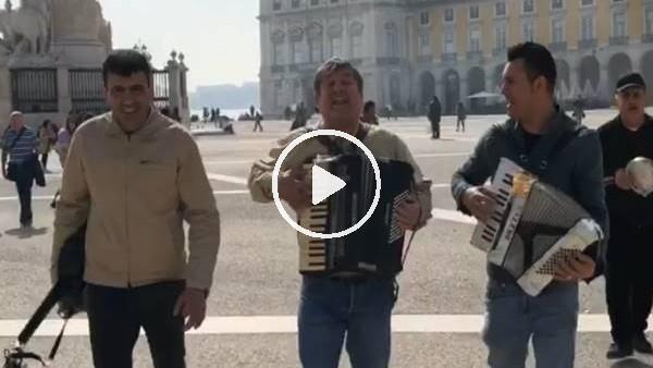 'Portekiz'de çalgıcılardan Galatasaray marşı