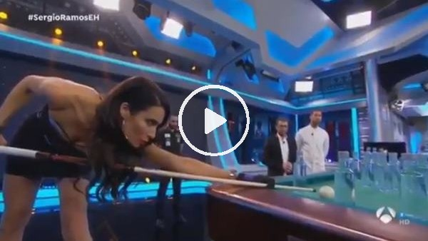 'Ramos'un eşi Pilar'dan bilardo şov