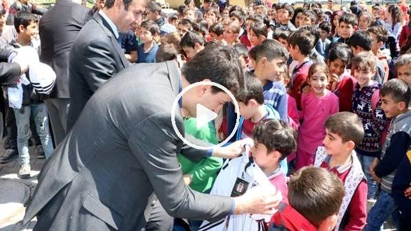 'Hatay'da 450 çocuğa Beşiktaş forması giydirildi