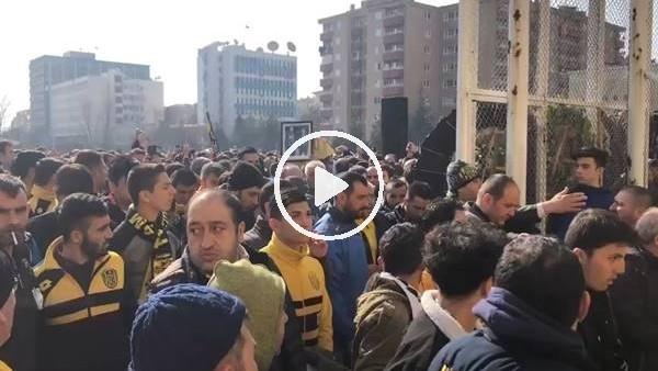 'Ankaragücülü taraftarlar Mert Turgut Çakır ve Eren Açıkgöz toprağa verildi