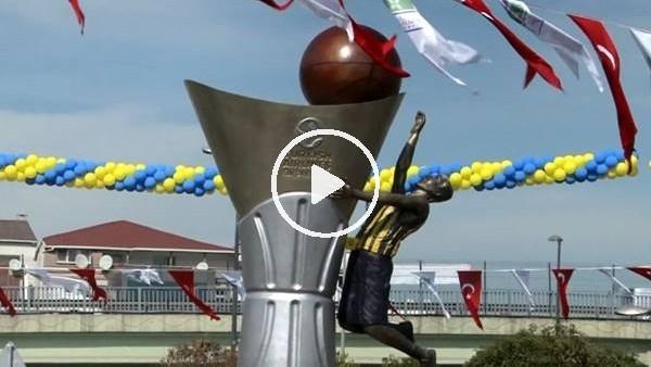 'Fenerbahçe'nin Euroleague kupasının anıtı açıldı