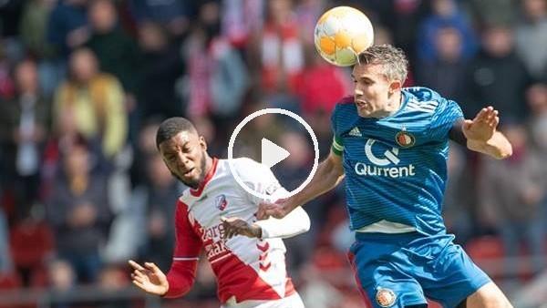 'Robin van Persie gollerini atmaya devam ediyor..