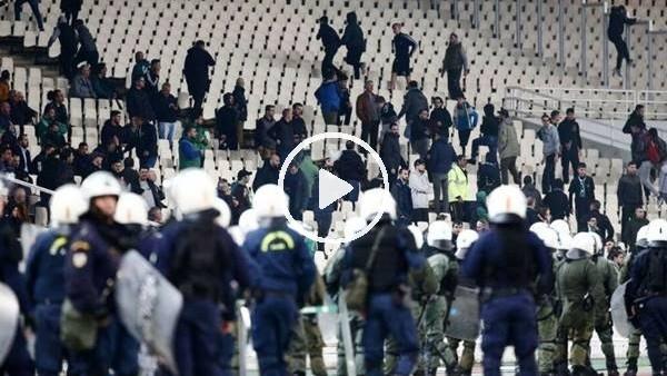 'Panathinaikos - Olympiakos derbisi olaylar nedeniyle yarıda kaldı