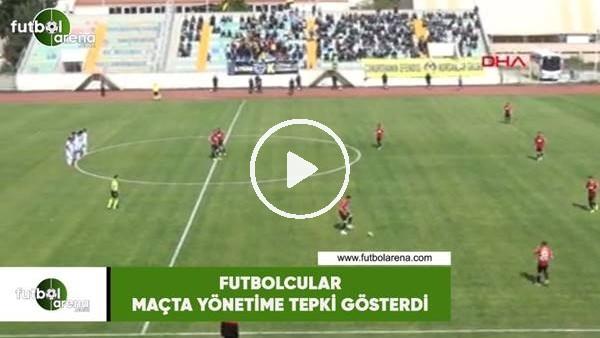 Futbolcular yönetime maçta tepki gösterdi
