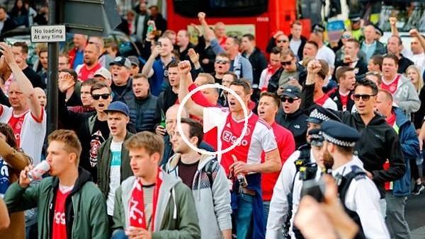 ' Ajax taraftarları Londra sokaklarını inletti
