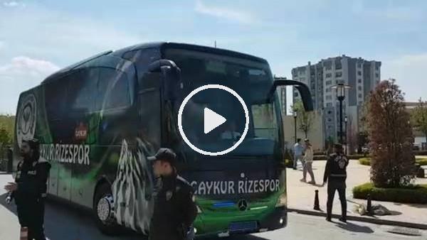 'Çaykur Rizespor kafilesi stada geldi