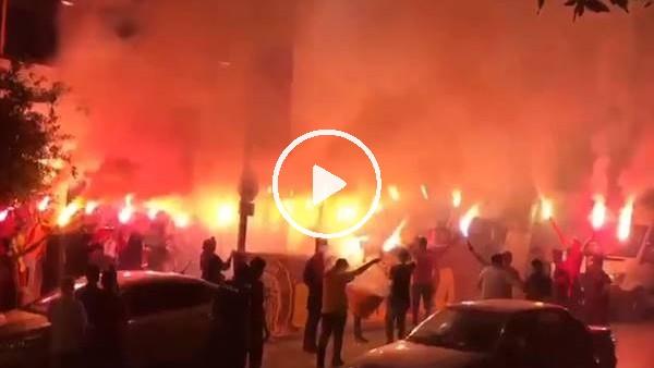 'Galatasaray taraftarından muhteşem şampiyonluk kutlaması