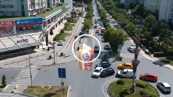 'Galatasaray'ın #AsBayraklarıAs videosunda trafik kazası