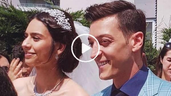 'Mesut Özil, Amine Gülşe'yi davul zurna eşliğinde evinden aldı