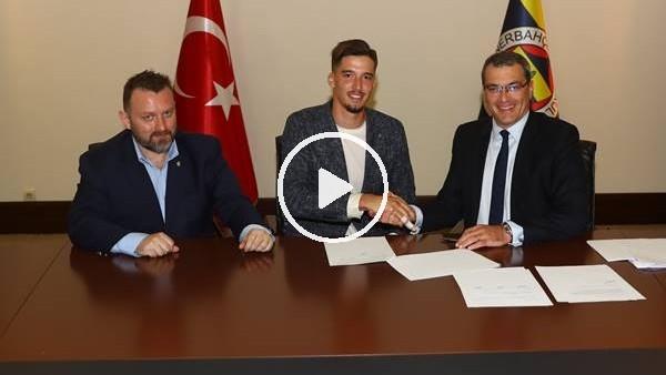 Altay Bayındır, Fenerbahçe'ye imzayı attı! İşte ilk açıklamaları...