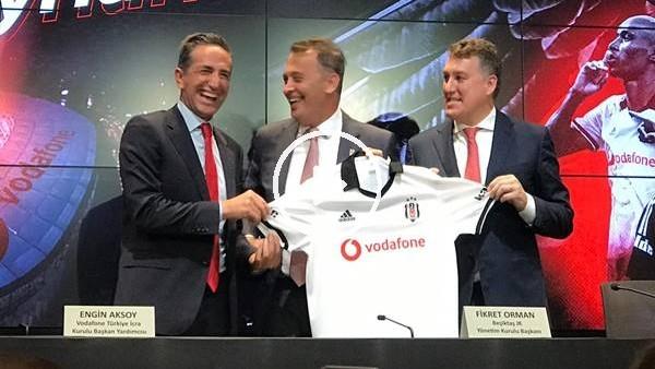 'Beşiktaş, Vodafone ile forma göğüs sponsorluğunu yeniledi