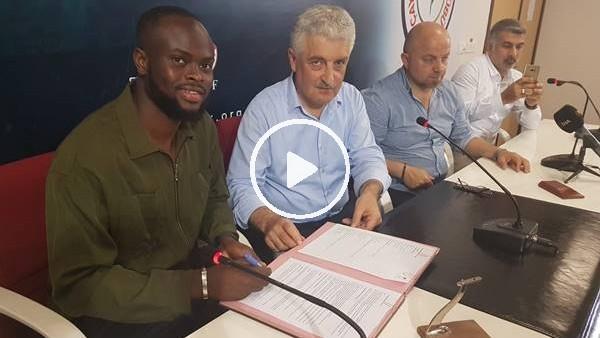 Çaykur Rizespor, Ismael Diomande için imza töreni düzenledi