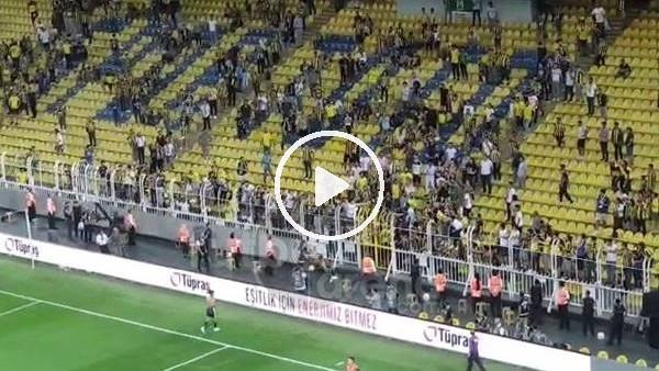 'Fenerbahçe taraftarı maç sonu Ferdi Kadıoğlu'nu tribünlere çağırdı