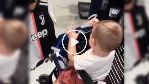 Juventus mu, İnter mi? Minik bebek forma seçimini yaptı