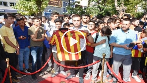 'Yeni Malatyaspor'da futbolcular taraftarlarla buluştu