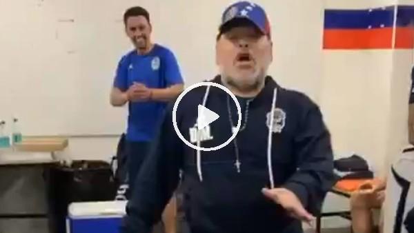 Maradona'nın soyunma odasındaki galibiyet dansı