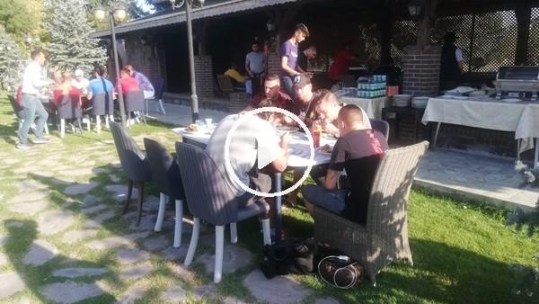 'Kayserisporlu futbolcular barbekü partisinde