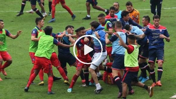 Guatemala Ligi'nde 6 futbolcu ve teknik direktörler kırmızı kart gördü
