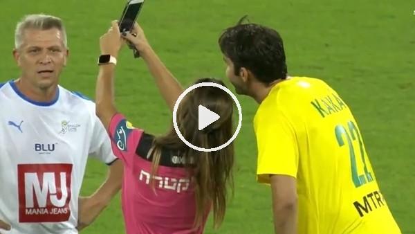 Kadın hakem, Kaka'ya önce sarı kart verdi sonra selfie çekti