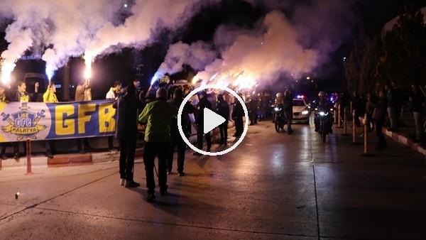 'Fenerbahçe kafilesine Malatya'da coşkulu karşılama