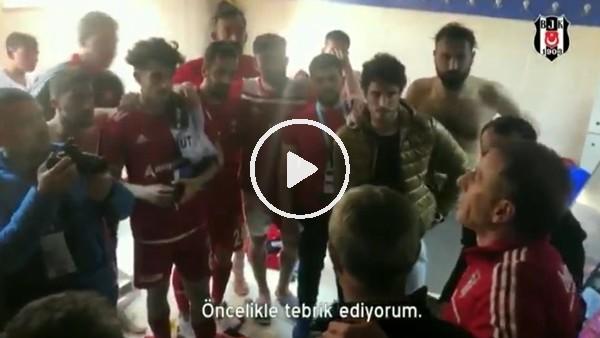AbdullAh Avcı, 24Erzincanspor futbolcularını soyunma odasında tebrik etti