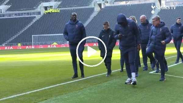 'Mourinho, Olympiakos maçındaki top toplayıcı çocuğu takımla buluşturdu