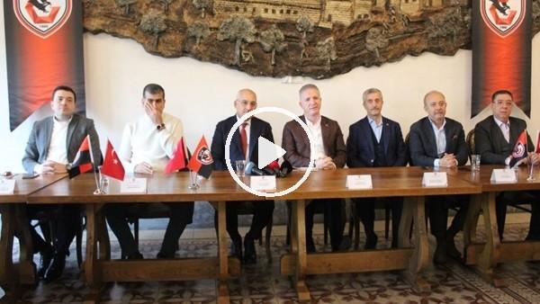 """'""""Gaziantep Tek Yürek, Kırımızı Siyaha Tam Destek"""" kampanyasının tanıtımı yapıldı"""